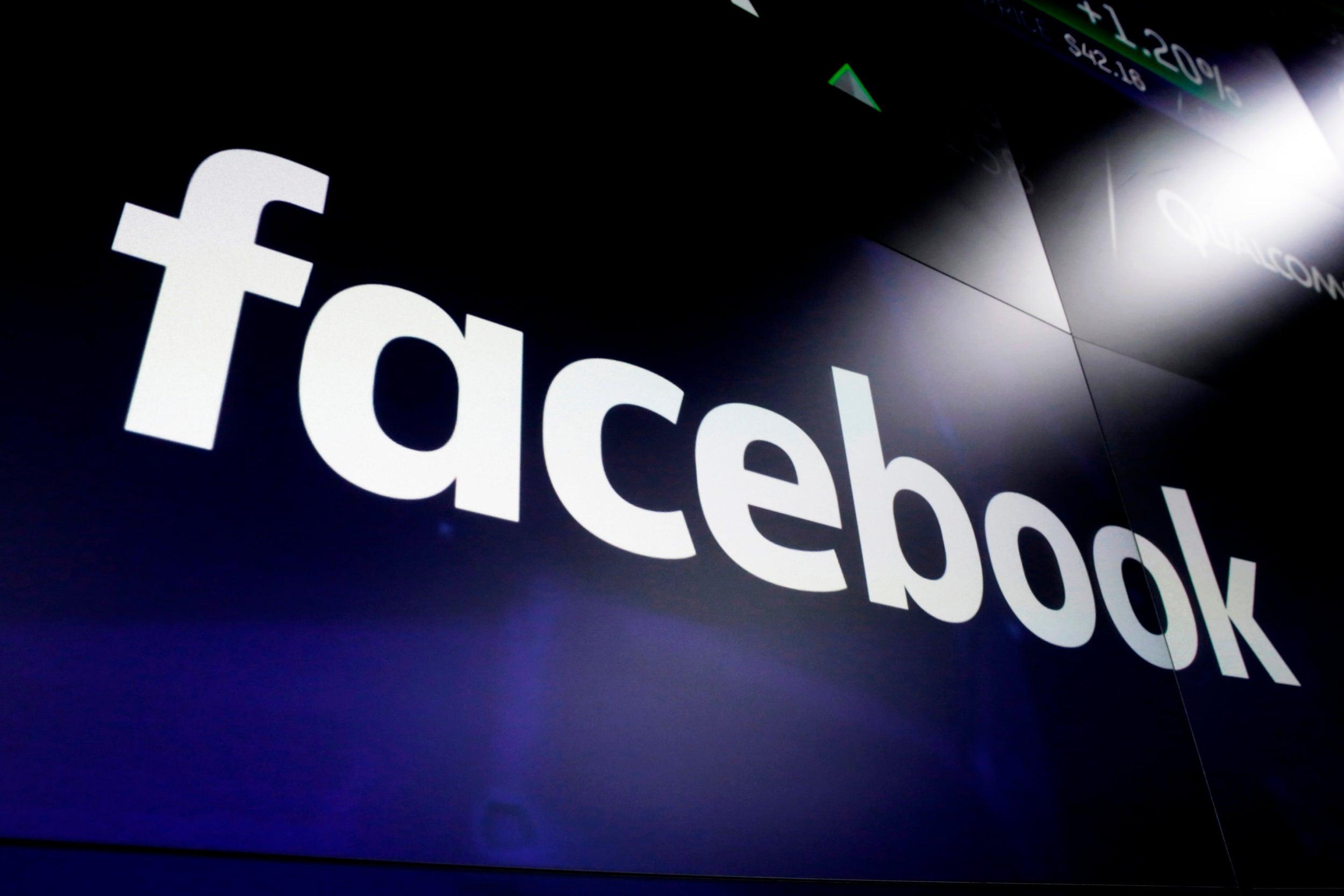 Itt a Facebook magánlista!